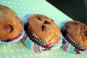 Cream Cheese Banana Nut Bread Muffins | Recipe from PassTheSushi.com