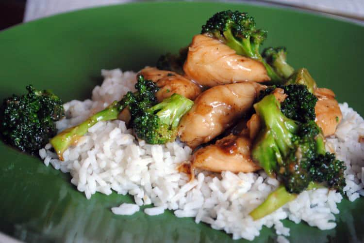 Chicken Broccoli Stir Fry is a healthy, quick and easy weeknight dinner. Save money on Asian carryout and make your own fresh at home. | Recipe from passthesushi.com