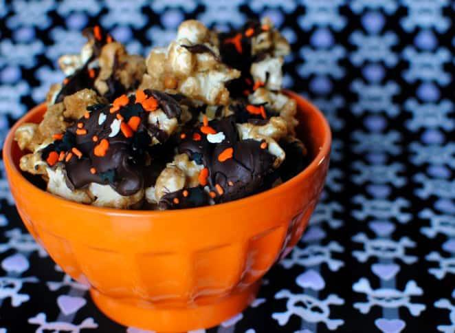 Halloween Toffee Popcorn Recipe \ PassTheSushi.com