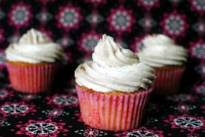 Vanilla chai cupcakes are moist and fluffy, filled with earthy spices like cardamom, ginger, and nutmeg. The vanilla chai buttercream frosting on top will give you seriously sweet dreams! \\ Recipe on PassTheSushi.com