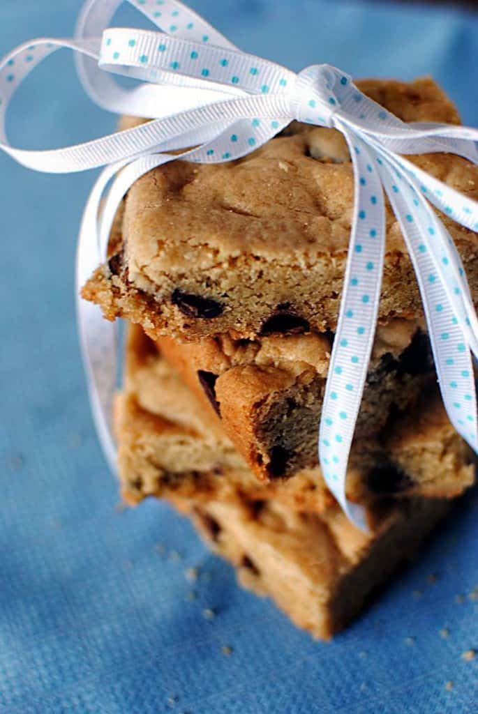 Thick and Chewy Chocolate Chip Cookie Bars Recipe \\ PassTheSushi.com
