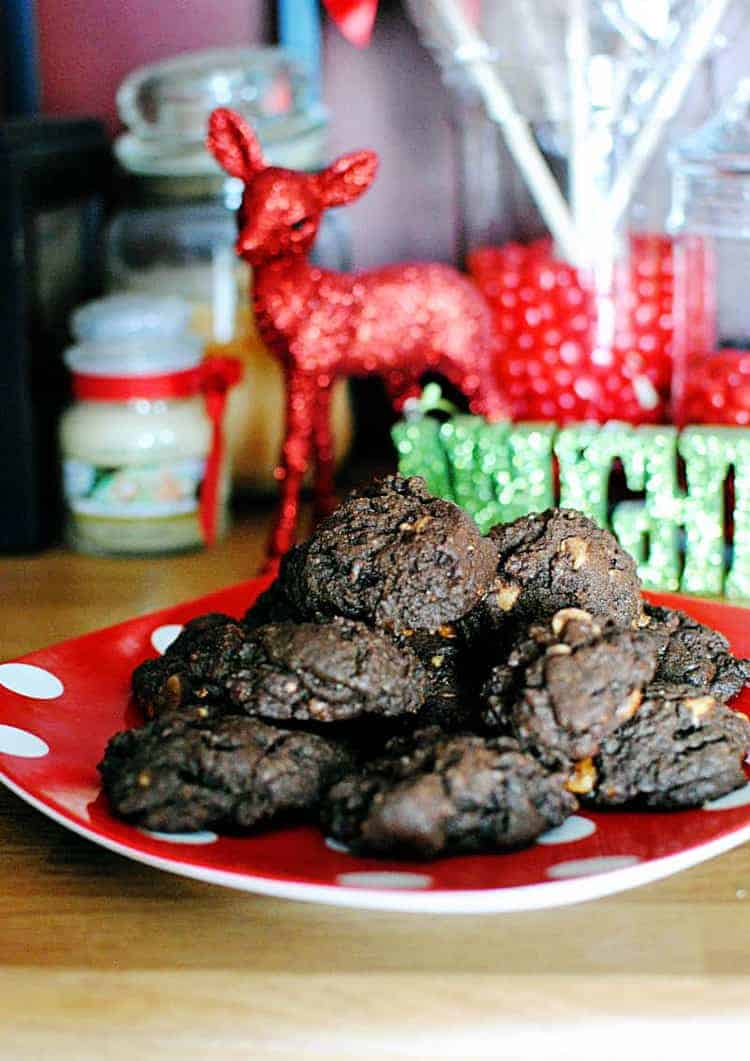Holiday Throwdown and Butterfinger Peanut Butter Chip Cookies