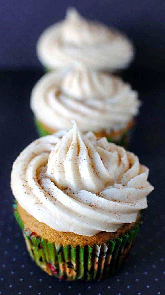 Spiced Pumpkin Cupcakes \\ Recipe on PassTheSushi.com