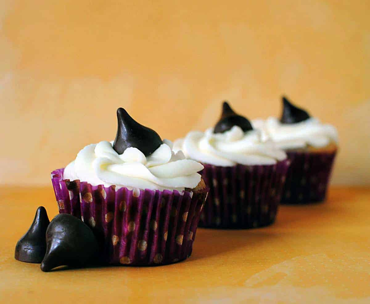 Banana Cupcakes with Creme Fraiche Frosting are here to stay