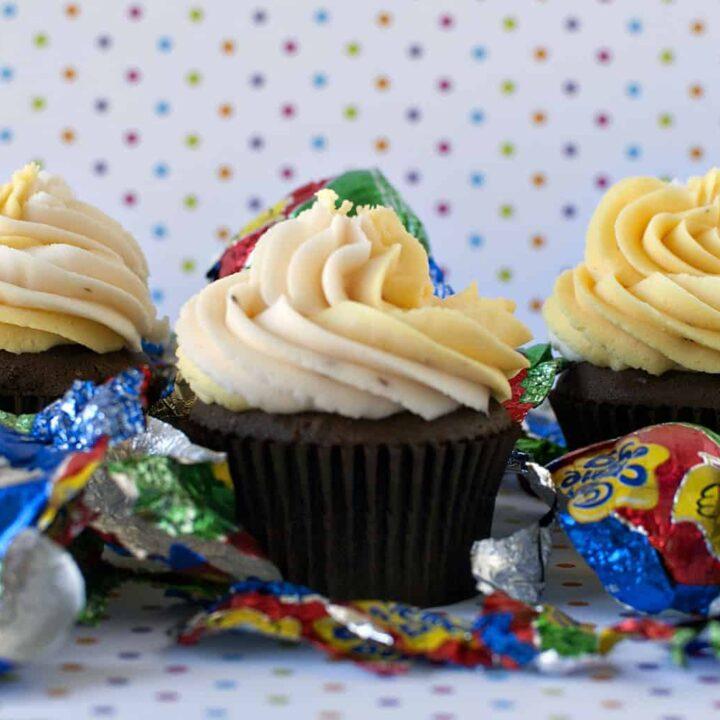 Cadbury Creme Egg Cupcakes \\ Recipe from PassTheSushi.com