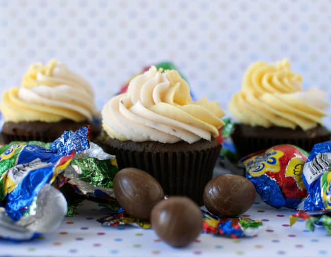 Cadbury Creme Egg Cupcakes \\ Recipe from PassTheSushi.com