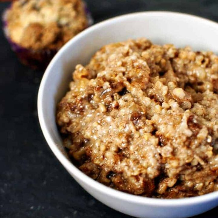 Overnight Slow Cooker Apple-Cinnamon Oatmeal