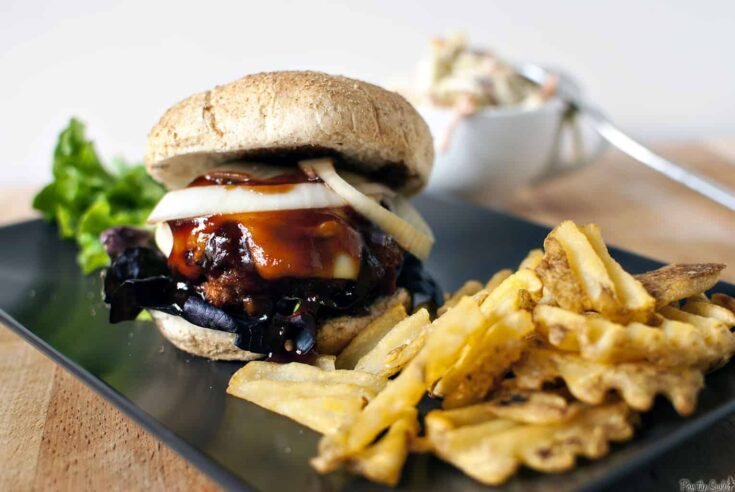 Barbecue Chicken Burgers - Pass The Sushi