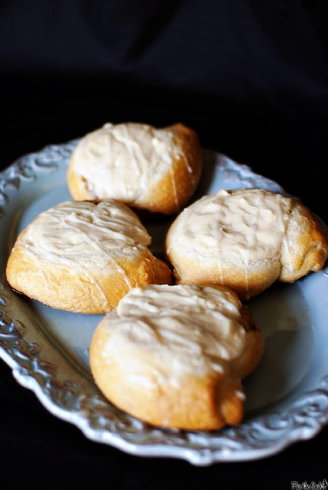 Refrigerated crescent roll dough is the base of this easy cheese danish recipe. Filled with cream cheese and topped with vanilla glaze. // PassTheSushi.com