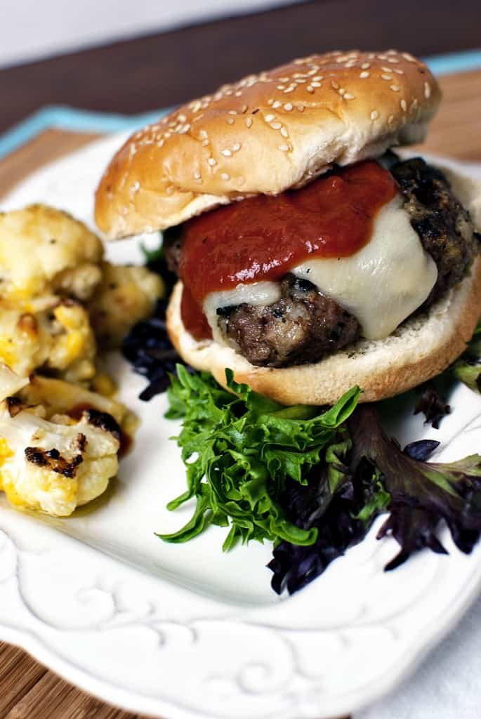 Pesto Burgers - Pesto is a delicious condiment on its own, but when you pair it with ground sirloin, you have the makings for delicious burgers! \\ PassTheSushi.com