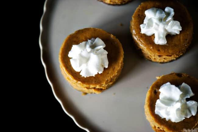 Gingersnap Spiced Mini Pumpkin Pies \\ PassTheSushi.com