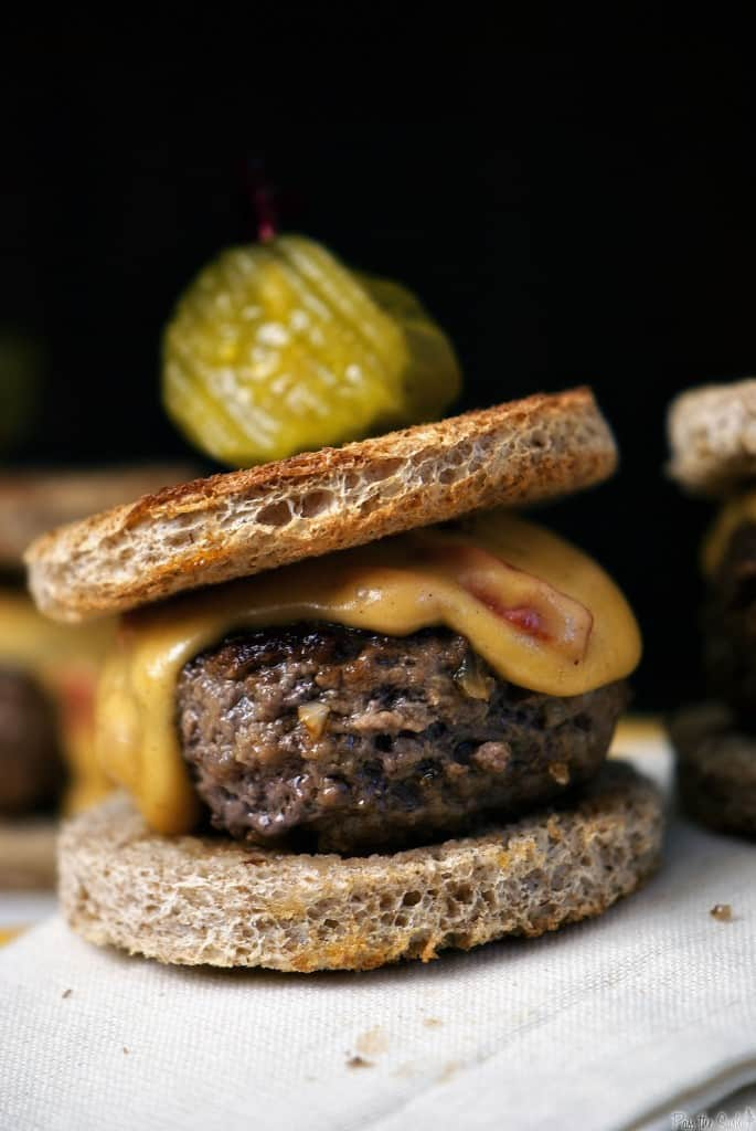 Pimento cheese sirloin sliders are a delicious and easy New Year's Eve appetizer. Also the perfect snacks during the New Year's Day football games! | PassTheSushi.com