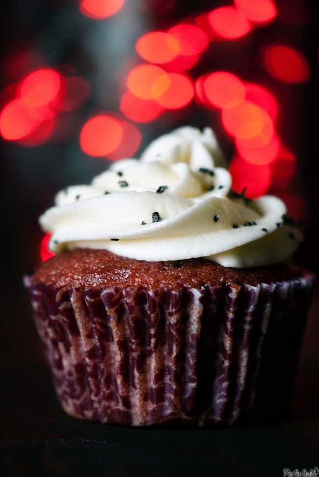 Red velvet cupcakes will be the perfect Valentine's Day dessert for your sweetie. Chocolate buttermilk cupcakes with fluffy cream cheese frosting on top.
