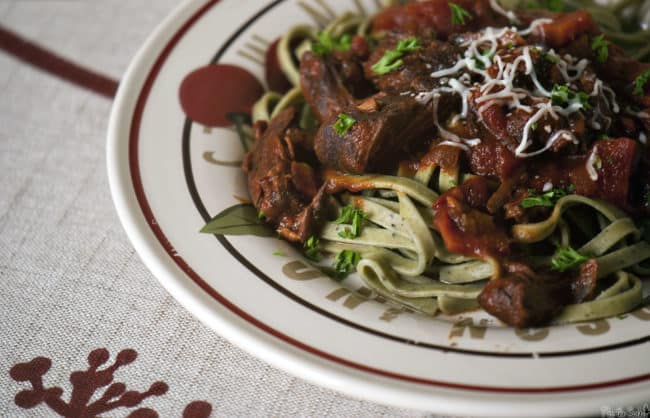 Short Ribs with Red Wine Sauce - a slow cooker meal! Recipe on PassTheSushi.com