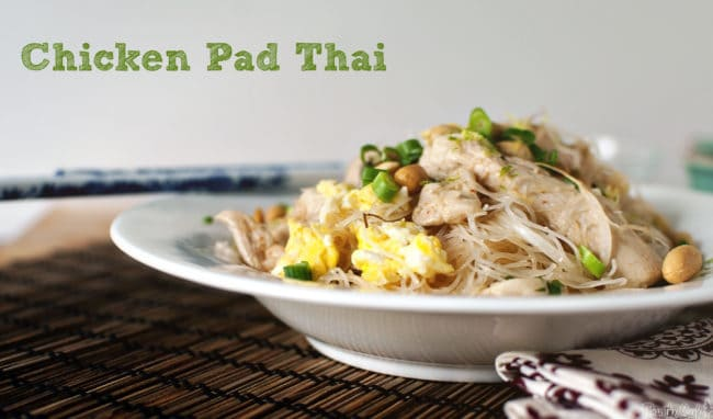 Fast and Easy Chicken Pad Thai \ PasstheSushi.com
