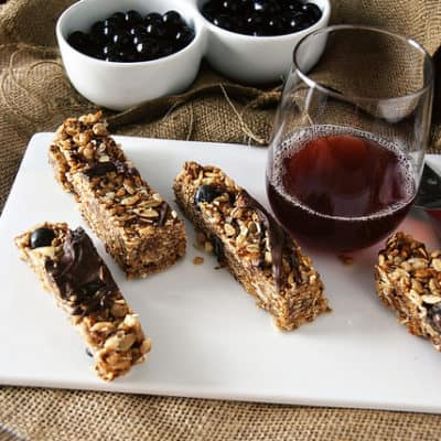 Chewy Chocolate Goji Berry Granola Bars