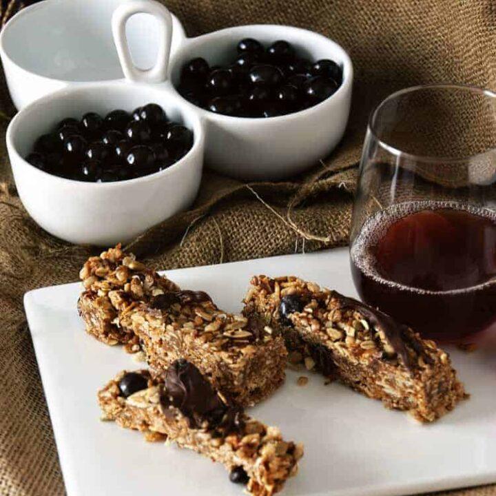 Chewy Chocolate Goji Berry Granola Bars