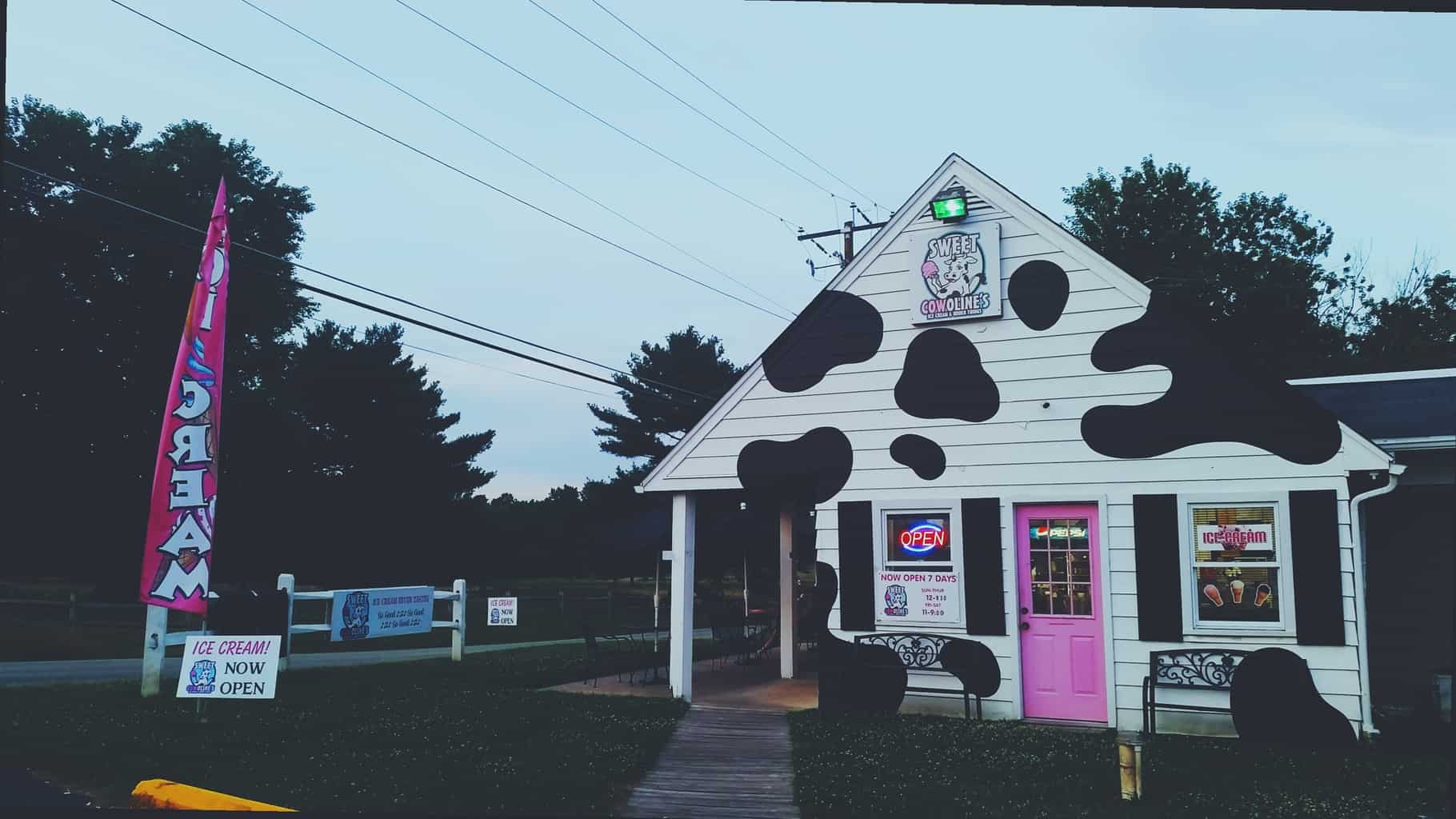 Noshing Local: Sweet Cowolines Elkton MD Ice Cream | Travel and Review Post from PasstheSushi.com width=