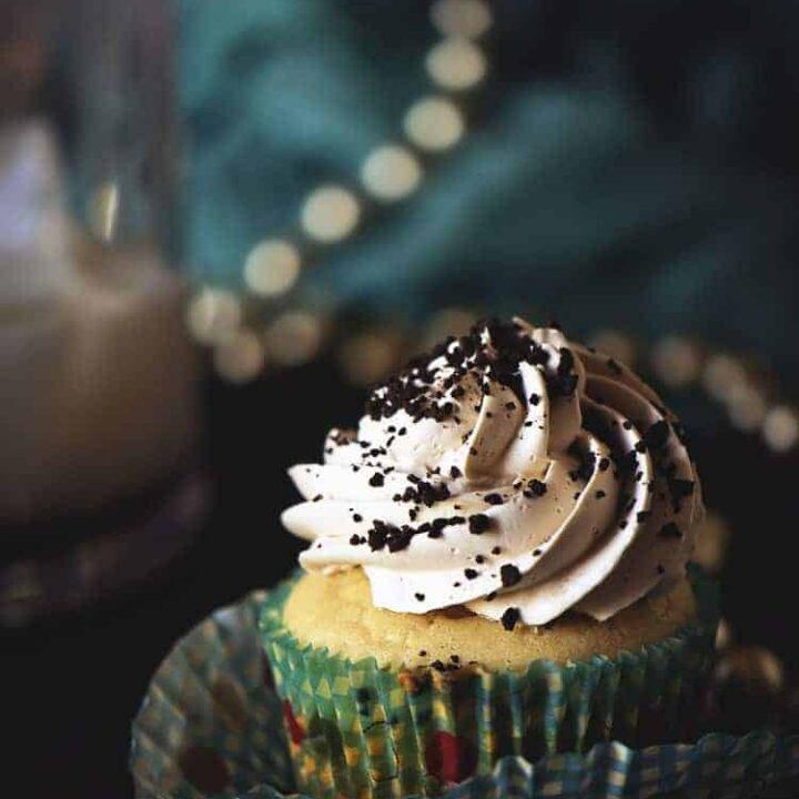 Spiked Mudslide Cupcakes | Kita Roberts PassTheSushi.com