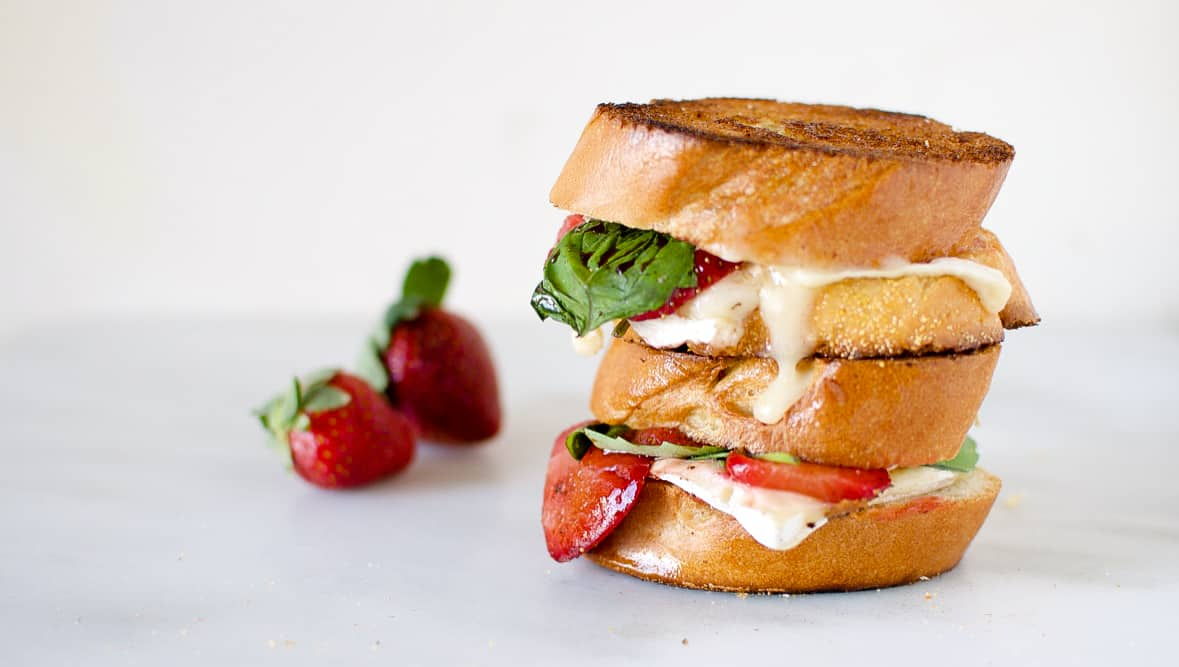 Savory Balsamic Roasted Strawberry and Basil Grilled Cheese | Kita Roberts PassTheSushi.com