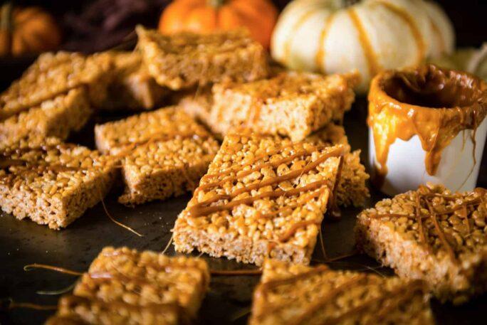 15 Minute Pumpkin Spice Krispie Treats | Kita Roberts PassTheSushi.com