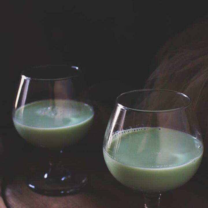 Irish Eyes Cocktail | Kita Roberts PassTheSushi.com