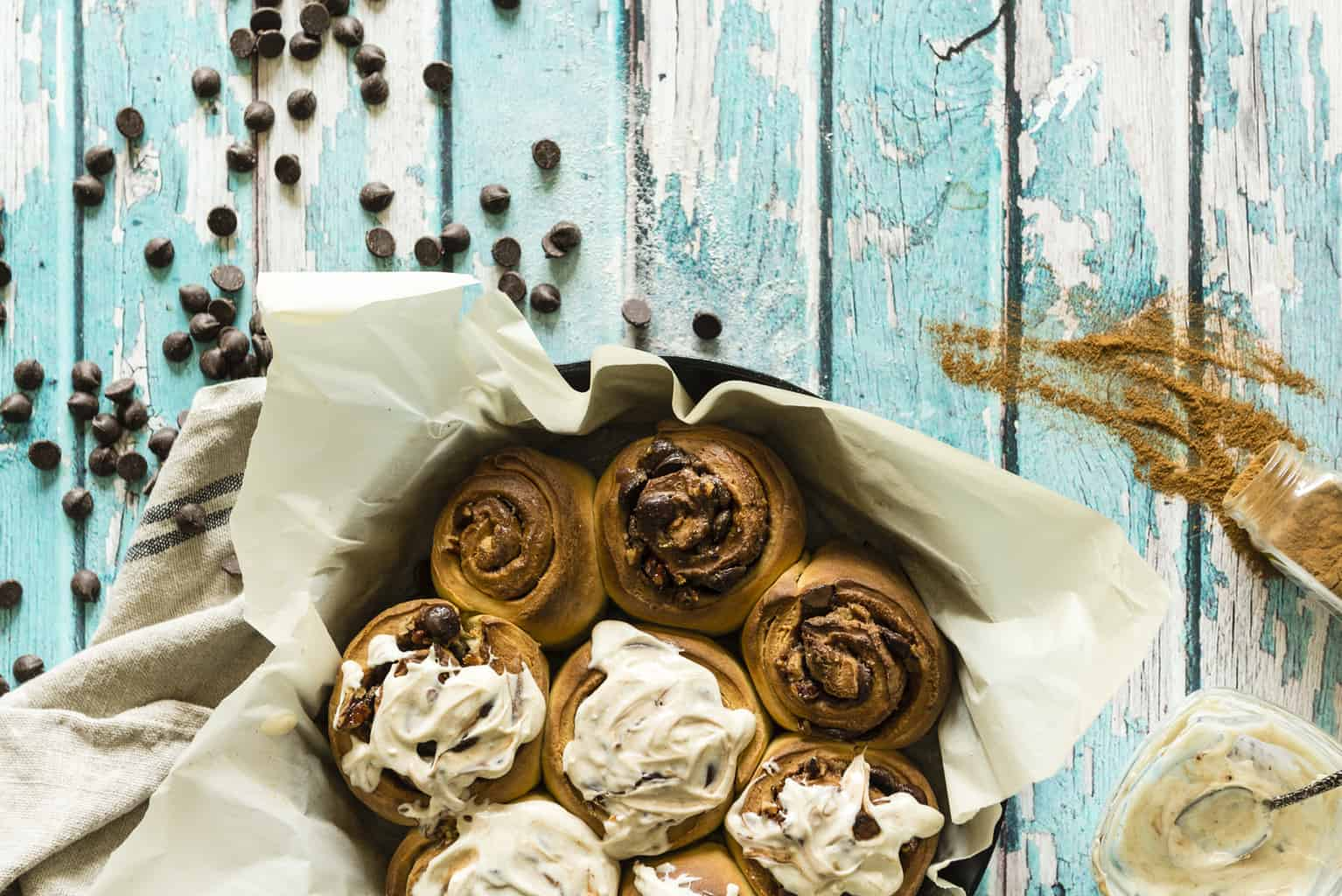 Chocolate Chip Pecan Cinnamon Rolls Recipe